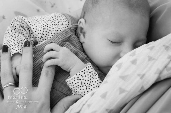 Babyfotograf Marburg: professionelle Neugeborenenfotos - ungestellt, natürlich und bei euch zuhause