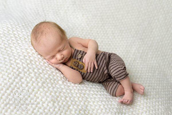 professionelles Baby-Fotoshooting im Raum Homberg (Ohm) - ganz bequem bei den Eltern zuhause