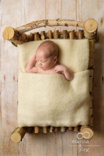 Babygalerie Gießen: einfach bezaubernd, wenn die großen Geschwister beim Neugeborenen Fotoshooting dabei sind