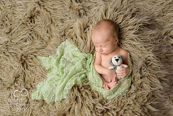 mobile Babyfotografen aus der Gladenbach: Professionelles Neugeborenen-Fotoshooting in Homberg Ohm