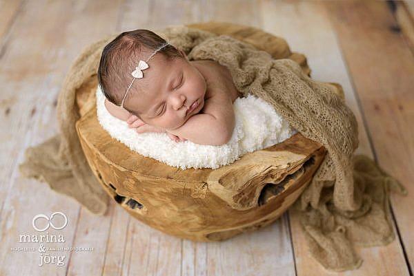 professionelles Neugeborenen-Fotoshooting in Marburg von den Babyfotografen aus Gladenbach
