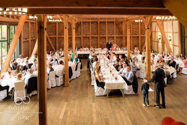 Marina und Joerg, Fotografen-Paar aus Giessen: Hochzeitsfotos in der Eventscheune Dagobertshausen bei Marburg
