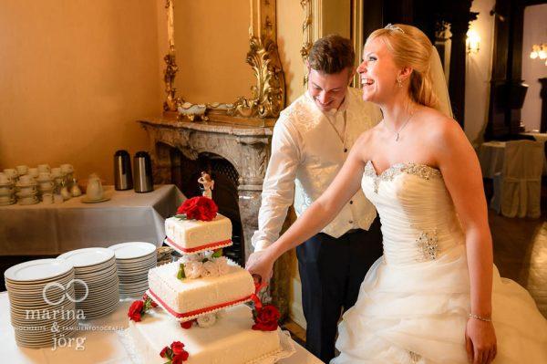 Hochzeitsreportage: Anschneiden der Hochzeitstorte