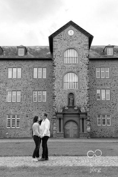 Kennenlern-Fotoshooting im Schloss Butzbach - Hochzeitsfotografen Gießen