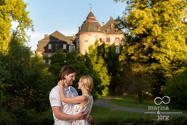 Kennenlern-Fotoshooting im Schloss Laubach - Hochzeitsfotografen Laubach