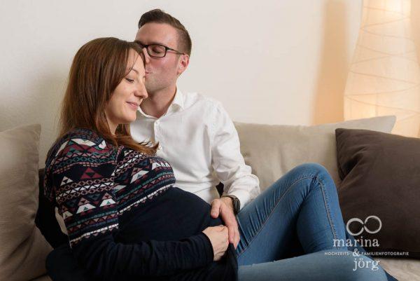 natürliche Fotos der Schwangerschaft - Babybauch-Shooting in Wetzlar