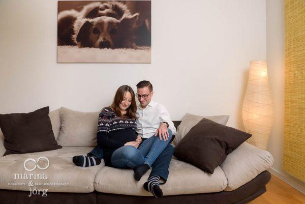 Babybauch-Shooting in Wetzlar: natürliche Babybauchbilder bei euch zu Hause