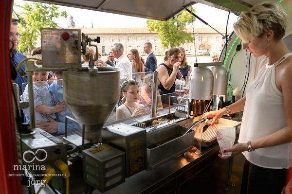 Hochzeit im Schloss Butzbach bei Gießen - Leckere Donuts zum Sektempfang