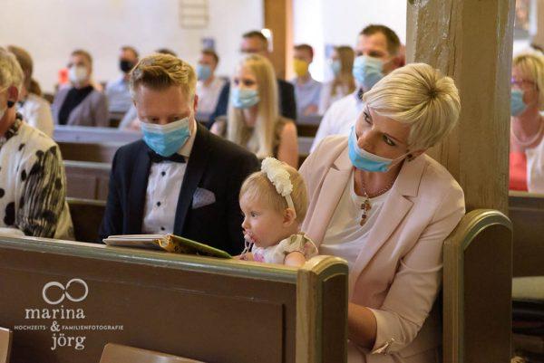Wertvolle Zutaten für euer Familienalbum: Fotos bei der Taufe wie hier bei Marburg