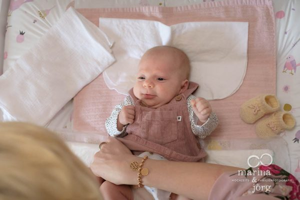 Babyfotografen Marburg - ungestellte Familienfotos und Babyfotos