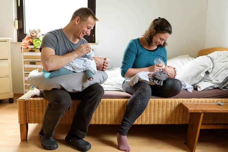ungestellte zeitlose und echte Neugeborenenfotos in Gießen - bei einer Familien Homestory geht es darum, Erinnerungen festzuhalten