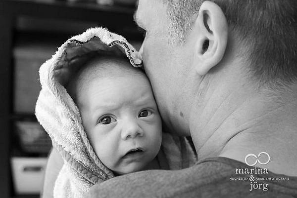 Babyfotograf Gladenbach - ungestelltes Babyfoto