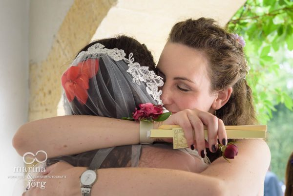 bei einer Hochzeitsreportage lassen sich all die vielen unvergesslichen Momente einer Hochzeit für immer festhalten - Hochzeitsfotograf Gießen